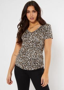 leopard print v neck pocket tee - Main Image