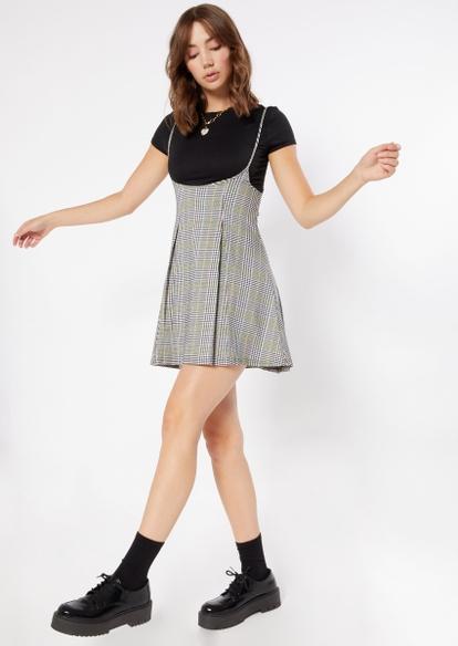 2-piece black plaid pleated dress and tee - Main Image