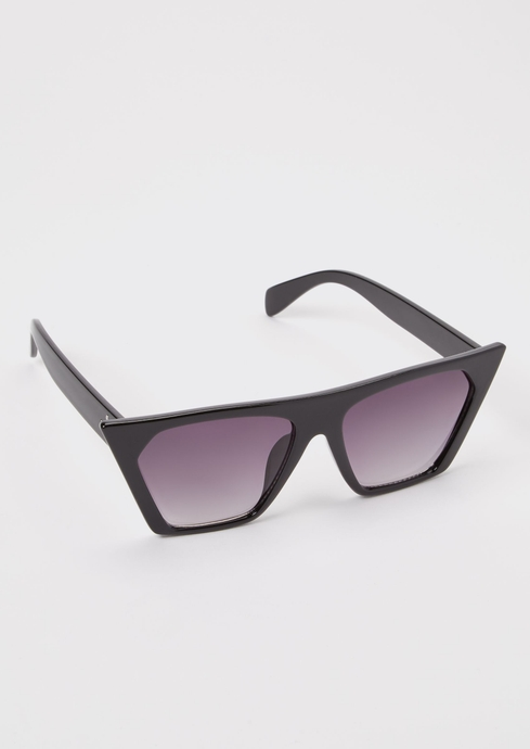 BLACK STRAIGHT TOP CATEYE placeholder image