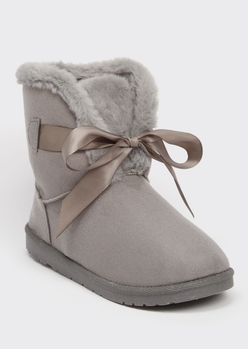 gray bow front mid cozy boots - Main Image