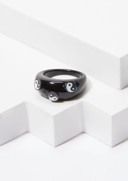 black clay yin yang acrylic ring - Main Image