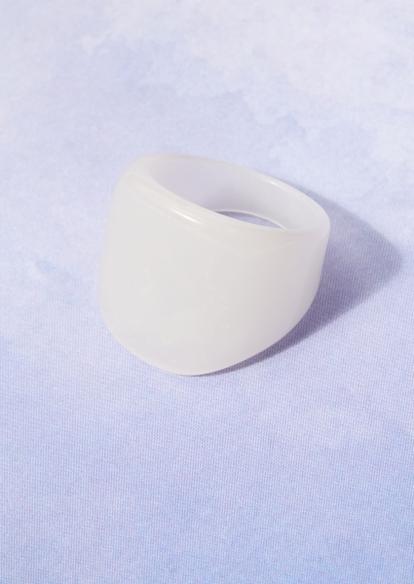white rounded chunky acrylic ring - Main Image