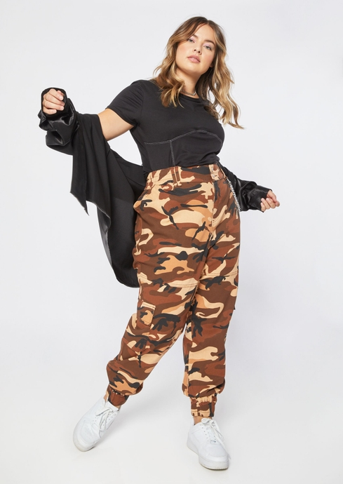 CAMO CARGO JOGGER W/CHAIN placeholder image